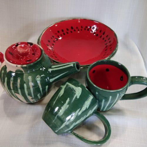посуда красная