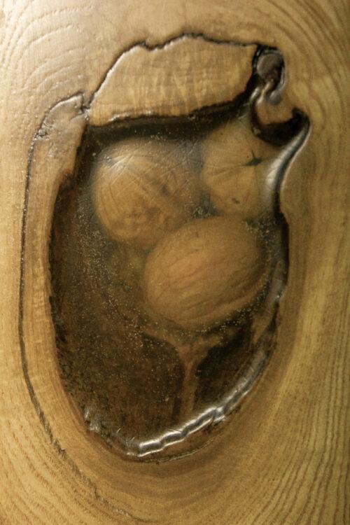 Декоративное изделие из дерева